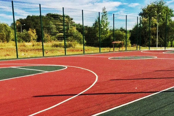 устройство резинового покрытия спортивных и игровых площадок