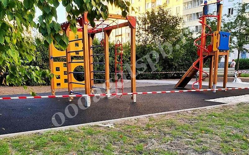 резиновые и каучуковые покрытия для детских площадок